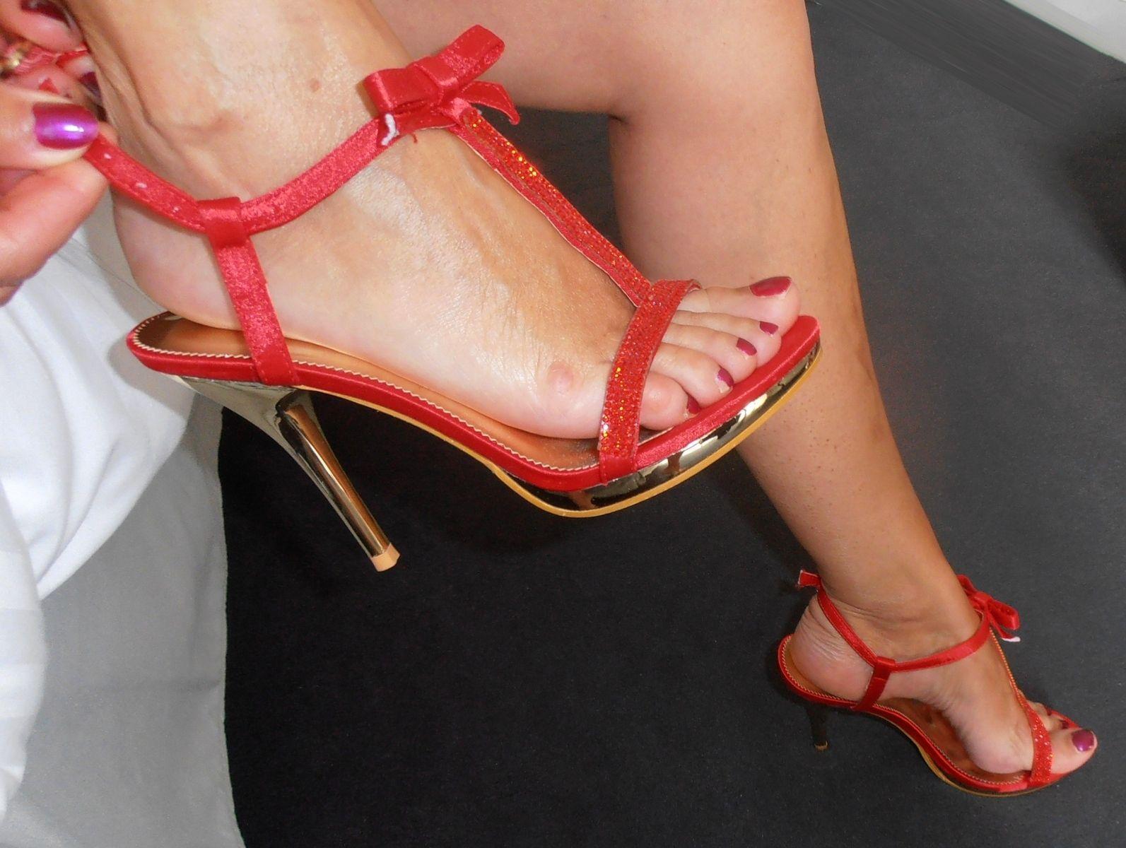 Masturbation avec des chaussures